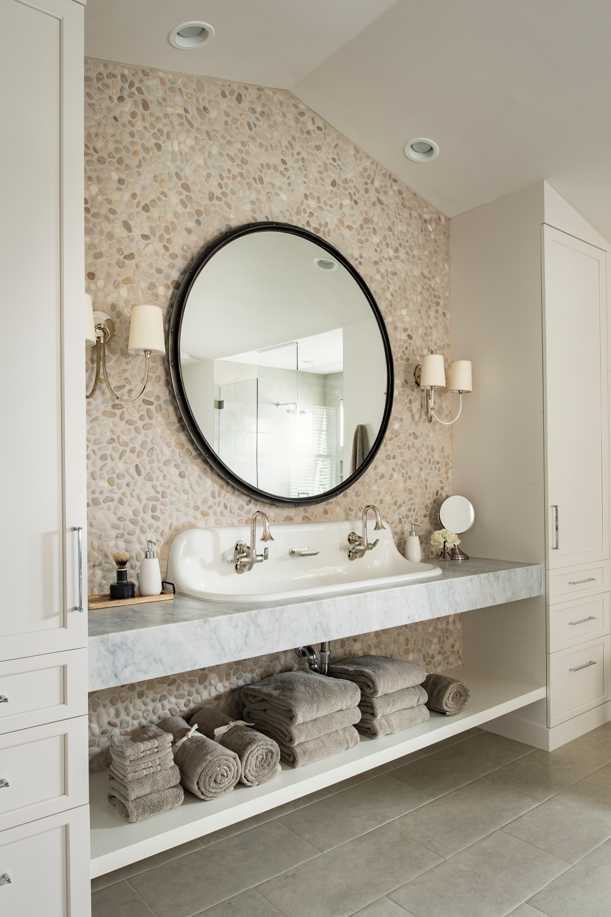 Urban Farmhouse bathroom by Brianna Michelle Design