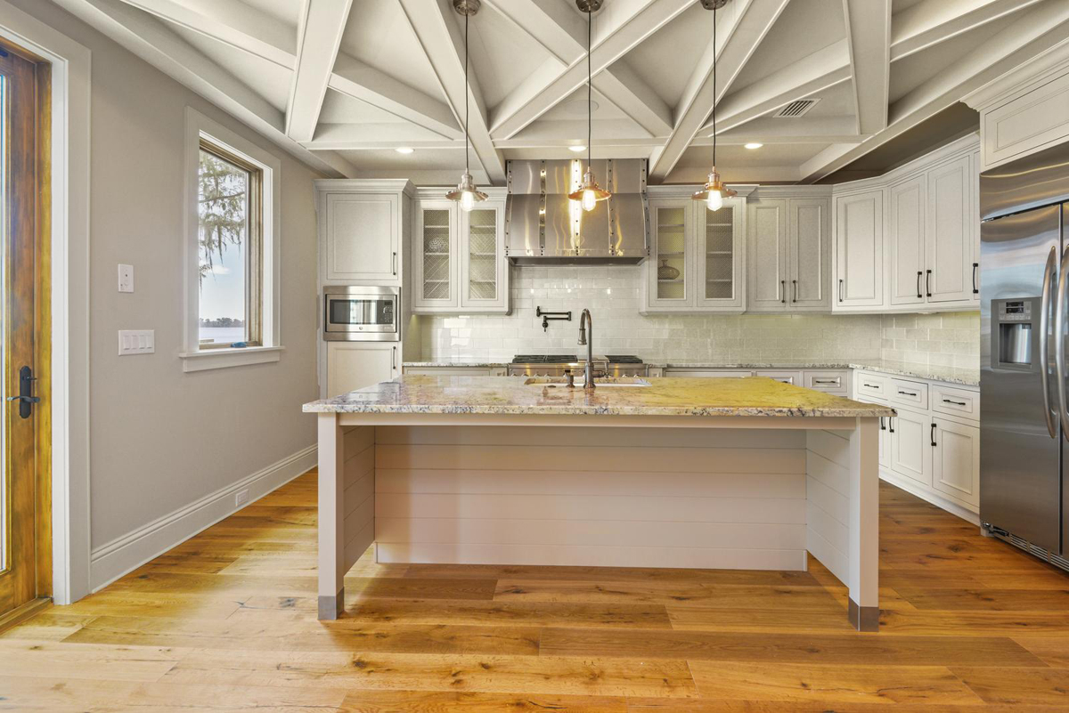 Lakeside Treehouse kitchen by Brianna Michelle Design