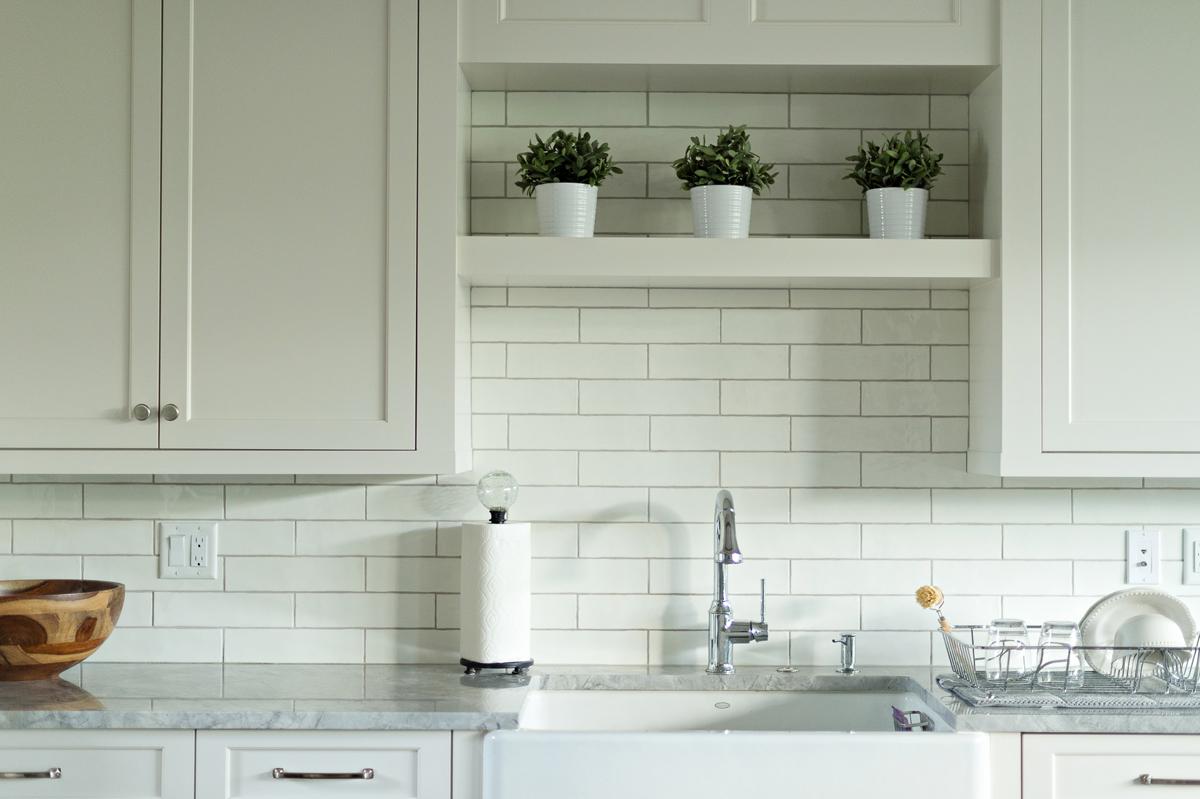 Urban Farmhouse kitchen by Brianna Michelle Design